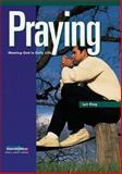 Praying, Lyn Klug, 0806601361