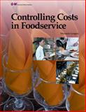 Controlling Costs in Foodservice, Leugers, Maureen, 1619601680