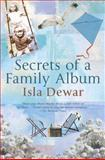 Secrets of a Family Album, Isla Dewar, 0312342268