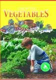 Growing Vegetables, Tracy Maurer, 1559162562