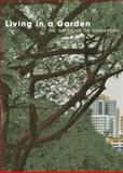 Living in a Garden, Tim Auguer, 9814385247