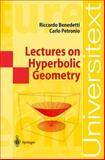 Lectures on Hyperbolic Geometry 9783540555346