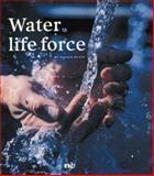 Water, Maggie Black, 190445612X