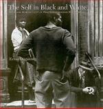 The Self in Black and White : Race and Subjectivity in Postwar American Photography, Duganne, Erina, 1584658029