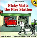 Nicky Visits the Fire Station, Harriet Ziefert, 0140559450