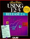 Using One-Two-Three Release 2.4, Que Development Group Staff, 0880229888